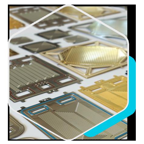 Metallic bipolar plates for fuel cells